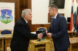 Emlékgyűrű Lőrinci volt polgármesterének