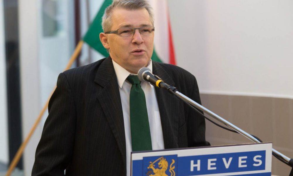 Polgármesterek álltak ki Szabó Zsolt mellett